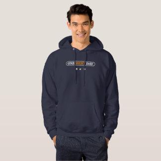 Das grundlegende mit Kapuze Sweatshirt der Männer