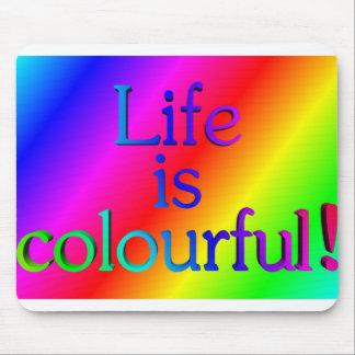 Das Leben ist - 3D-Logo auf Regenbogenhintergrund Mousepad