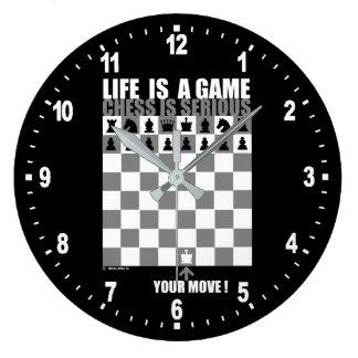 Das Leben ist ein Spiel, Schach ist ernst Große Wanduhr