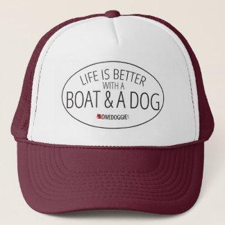 Das Leben ist mit einem Boot und einem Hund besser Truckerkappe