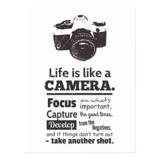 Das Leben ist wie ein Kamerazitat, schwarzer Postkarte