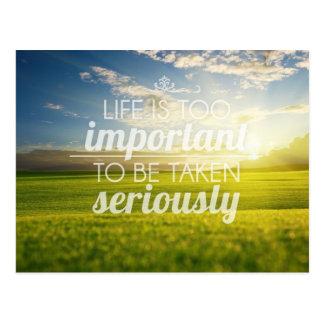 Das Leben ist zu wichtiges | motivierend Zitat Postkarte