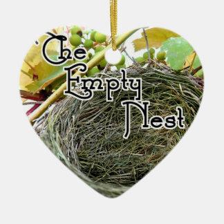 Das leere Nest Keramik Ornament
