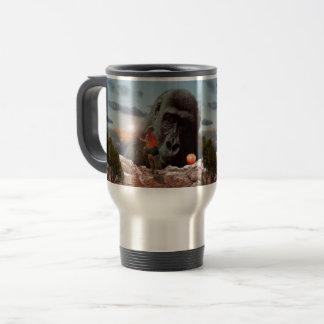Das Mittagessen mit einem Affen teilen, Reisebecher