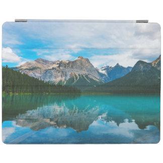 Das Moutains und das blaue Wasser iPad Hülle