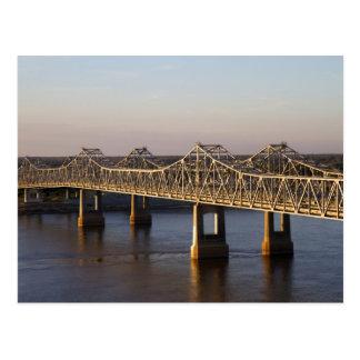 Das Natchez-Vidalia Brückenüberspannen Postkarte