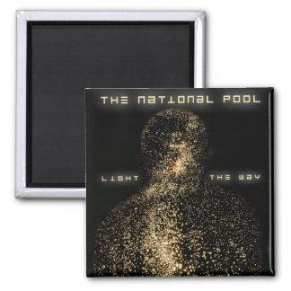 """Das nationale Pool - """"beleuchten Sie die Weisen-"""" Quadratischer Magnet"""
