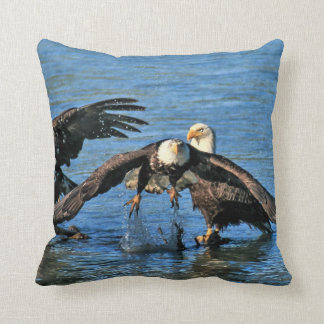 Das perfekte Kissen für die Eagle-Liebhaber!