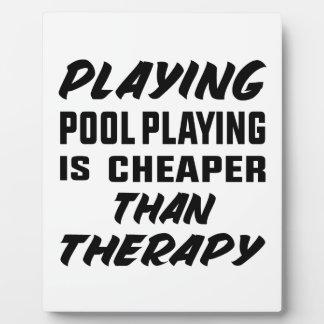 Das Pool-Spielen zu spielen ist billiger als Fotoplatte