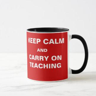 Das Prüfungs-Nähern behalten Ruhe zu unterrichten Tasse