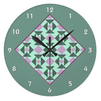 Das Puzzlespiel-Steppdecken-Block-Lavendel u. Grün Große Wanduhr