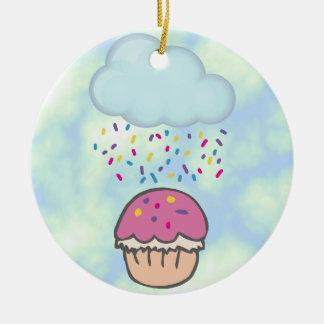 Das Regnen besprüht auf kleinem Kuchen Keramik Ornament