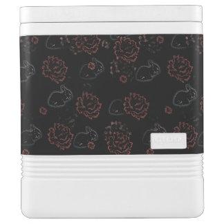 Das Rosenrot malen - makabere Version cooler Igloo Kühlbox