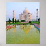Das ruhige friedliche weltberühmte Taj Mahal an Poster