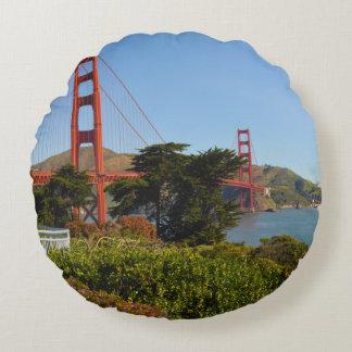 Das San Francisco Golden gate bridge in Rundes Kissen