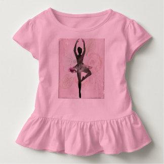 Das Shirt des Ballerinarüsche-Kindes