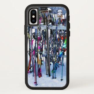 Das Ski-Party - Skis und Polen iPhone X Hülle