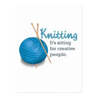 Das Stricken… es sitzt für kreative Leute Postkarte