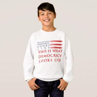 Das Sweatshirt des Demokratie-Jungen