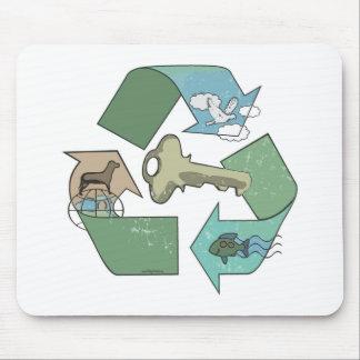 Das symbolische Recyceln ist durch Mudge Studios Mousepad