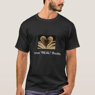das T-Shirt der Männer drehendes wv. Buchhandlung