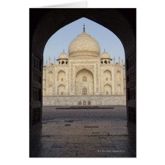 das Taj Mahal gerahmt im Mehmankhana Eingang Karte
