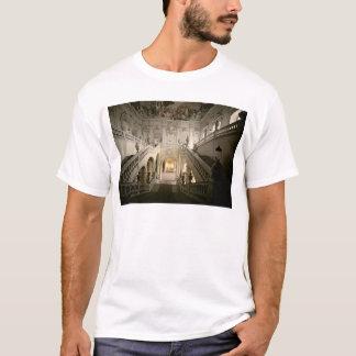 Das Treppenhaus, errichtet 1719-44 T-Shirt