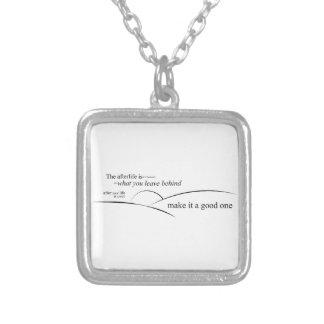 Das zukünftige Leben Halskette Mit Quadratischem Anhänger