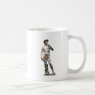 David-Statue mit kacken Kaffeetasse