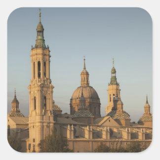 De Basilica de Nuestra Senora Pilar, der Ebro Quadratischer Aufkleber