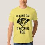 Decken-Katze passt SIE auf! Tshirts