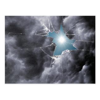 Defekter GlasSun durch Wolken Postkarte