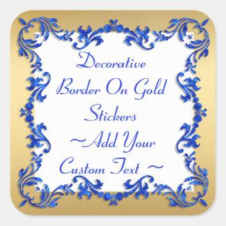 Dekorative blaue Grenze auf Goldaufkleber Quadratischer Aufkleber