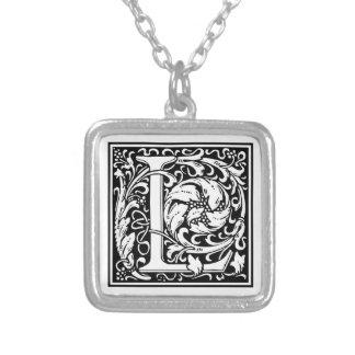 """Dekorative Buchstabe-Initiale """"L"""" Halskette Mit Quadratischem Anhänger"""