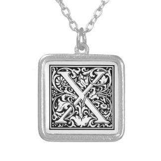 """Dekorative Buchstabe-Initiale """"X"""" Halskette Mit Quadratischem Anhänger"""