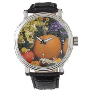 Dekorative Kürbisanzeige des bunten Falles Armbanduhr
