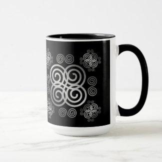 Dekorativer keltischer Entwurf Tasse