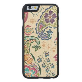Dekorativer Pfau und bunte Blumen Carved® iPhone 6 Hülle Ahorn