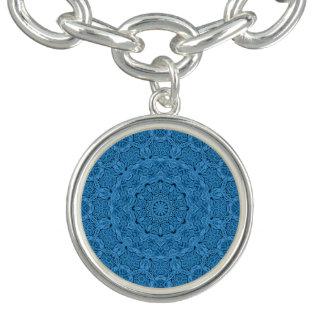 Dekoratives blaues Vintages Muster-Charme-Armband Armband