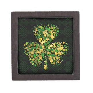 Dekoratives irisches Kleeblatt - Klee-Gold und Schachtel
