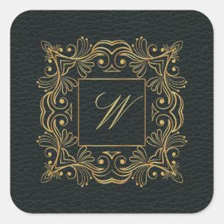 Dekoratives Rahmen-Monogramm auf dunklem Leder Quadratischer Aufkleber