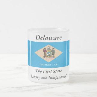 Delaware-Staats-Flagge Matte Glastasse