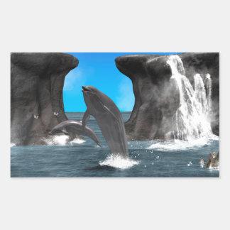 Delphin-Schwimmen und Springen in das Meer Rechteckiger Aufkleber