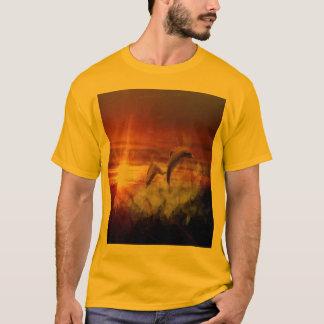 Delphine in den Wolken an der T-Shirt