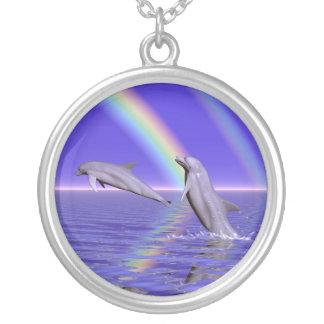 Delphine und Regenbogen Schmuck