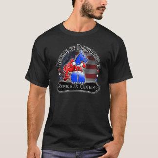 Demokrat gegen republikanischen Amerikaner T-Shirt
