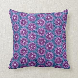 Denimeffekt und lila Blumenblaukissen Kissen