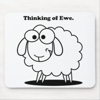 Denken an Mutterschaf-Lamm-Schaf-niedlichen Mousepads