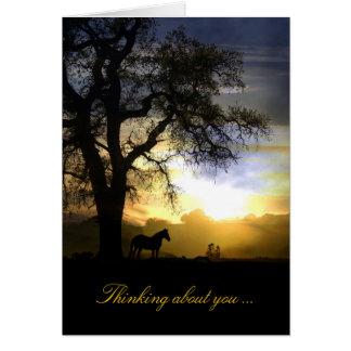 Denken an Sie Pferd in der Sonnenuntergang-und Grußkarte