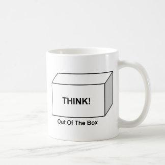 Denken Sie aus dem Kasten heraus Kaffeetasse